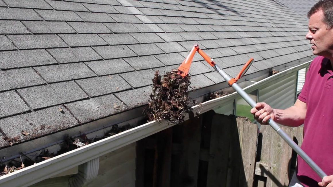 Gutter Cleaning Mistakes We Should Avoid