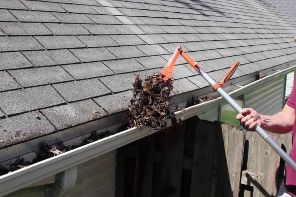 Some Important Tips on Cleaning the Gutters