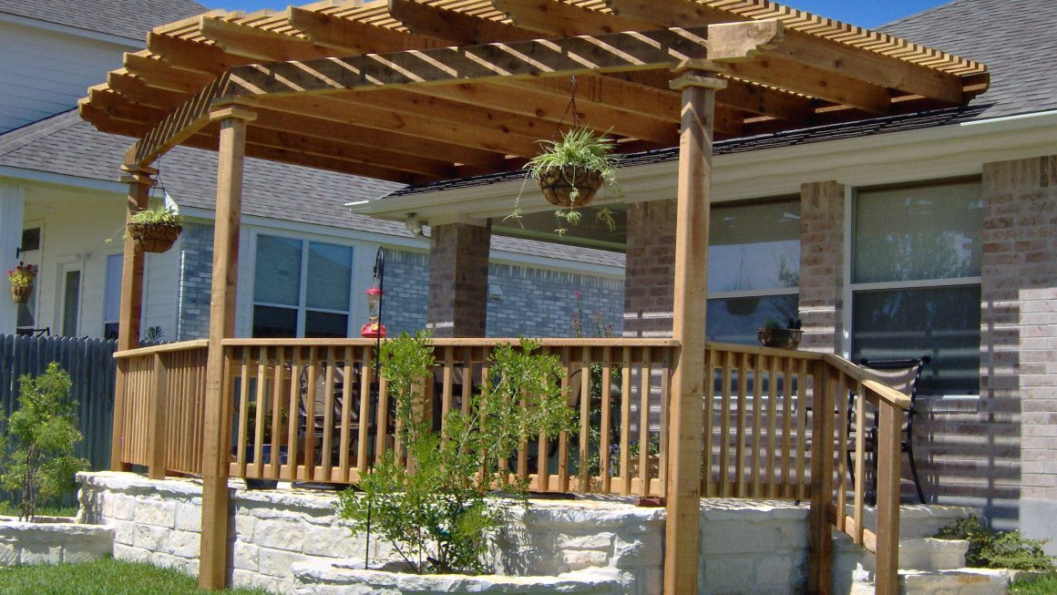 small-yard-garden-decorating-pergola-design