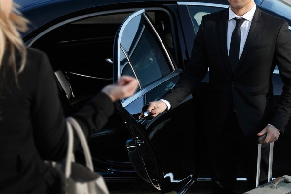 The Advantages of Going With a Professional Limousine Service