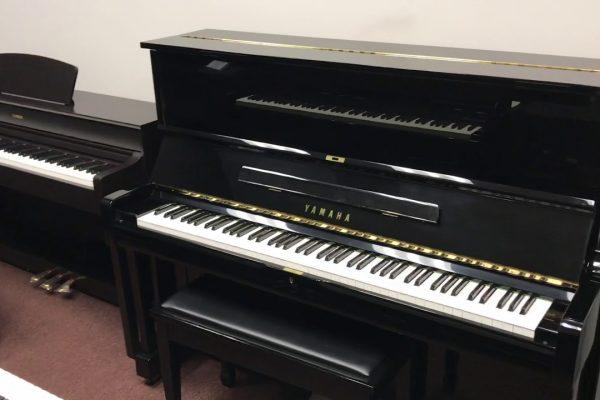 Digital vs Analog Pianos