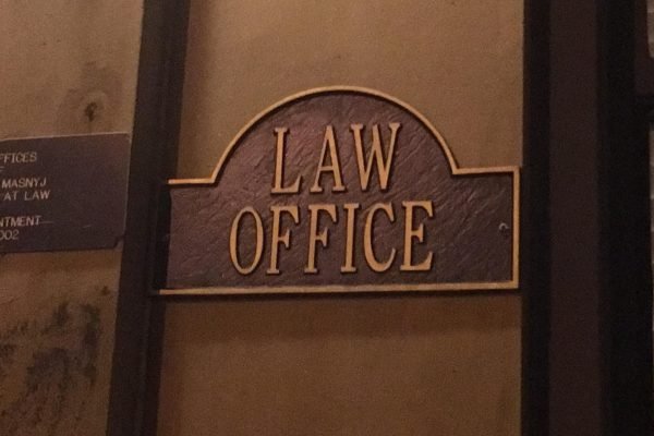Red Flags to Avoid When Hiring a Personal Injury Lawyer