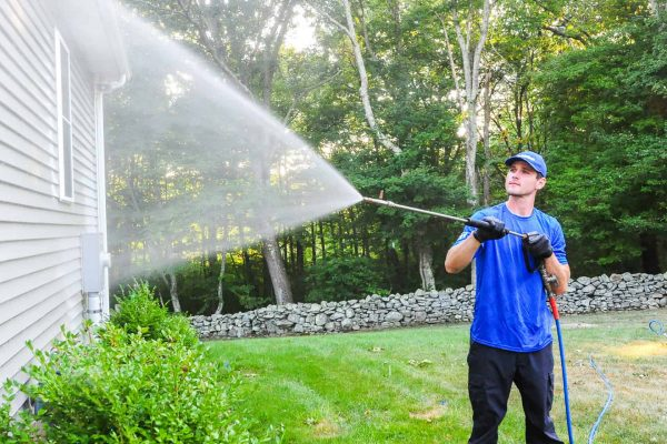 Ask These Questions Before Hiring a Pressure Washing Service