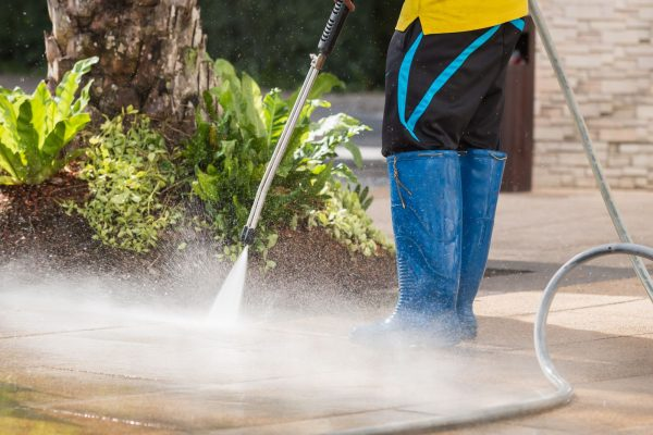 Looking For a Good Pressure Washing Service? Here's How to Find One